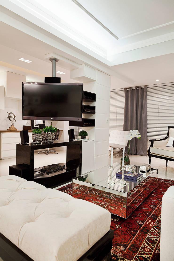 Salon de style  par marli lima designer de interiores,