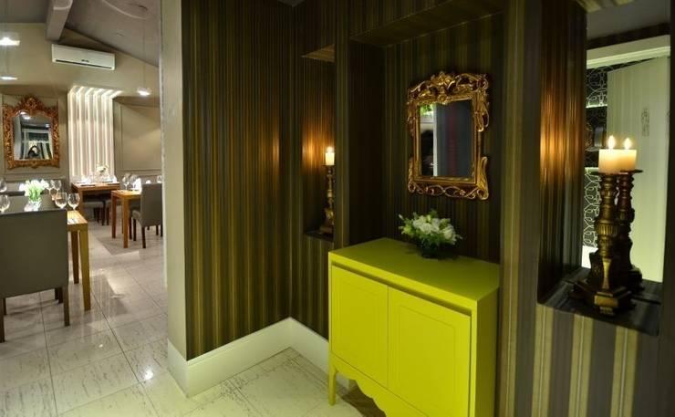 Restaurante Floriano Spiess Porto Alegre: Espaços gastronômicos  por marli lima designer de interiores