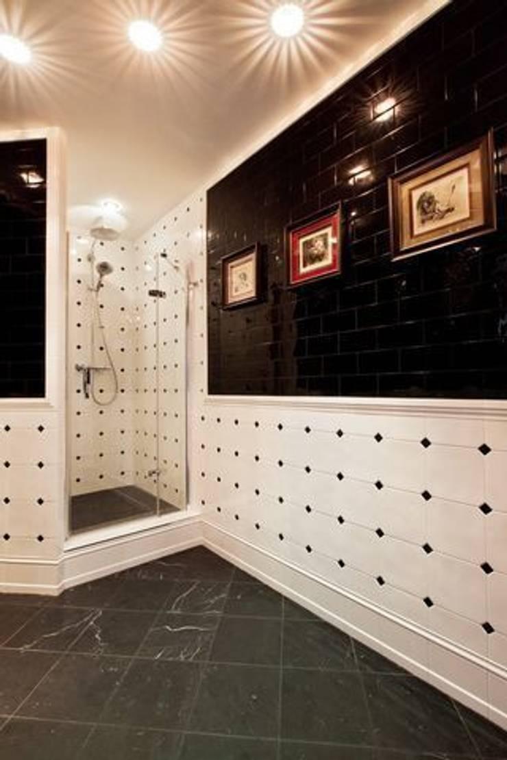 Янтарный дождь: Ванные комнаты в . Автор – D&A INTERIORS
