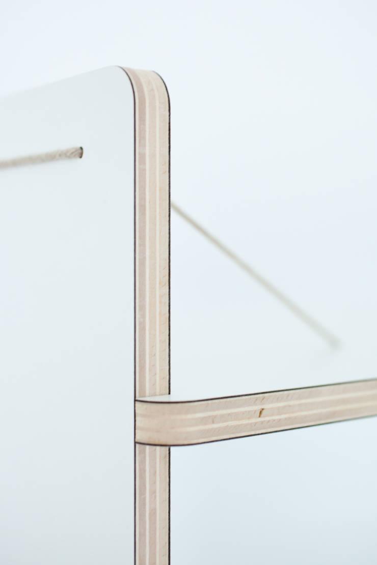 Detail Shelves:  Studeerkamer/kantoor door Studio Toon Welling