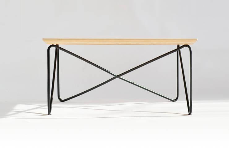 NAGI : styl , w kategorii Salon zaprojektowany przez Biuro Projektowe Pióro