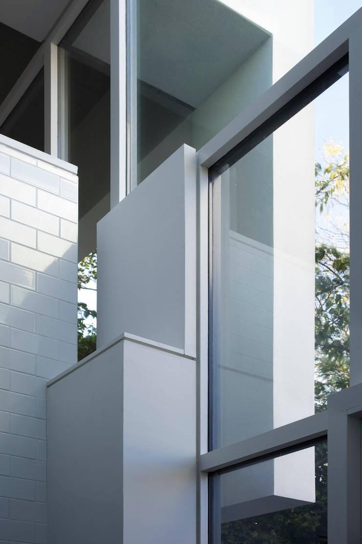 Cut & Fold:  Houses by Ashton Porter architects