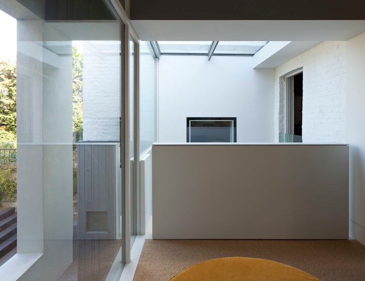 Cut & Fold:  Living room by Ashton Porter architects