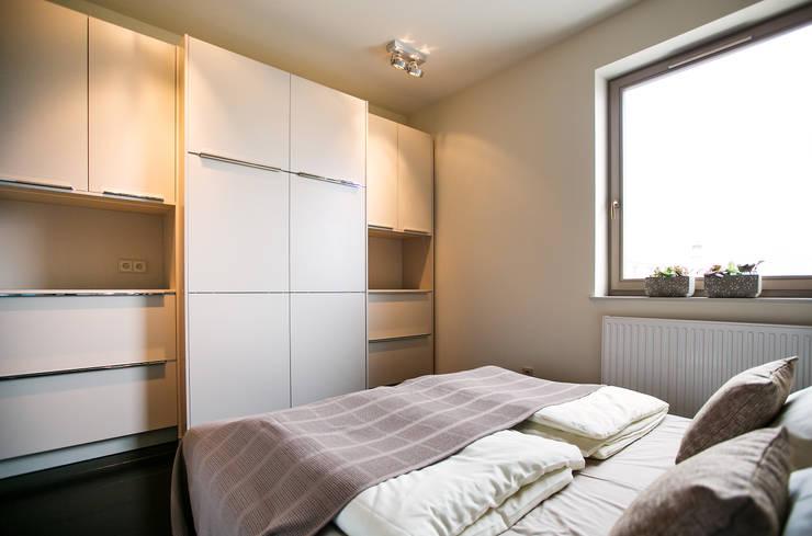 Anna Buczny PROJEKTOWANIE WNĘTRZ  sypialnia: styl , w kategorii Sypialnia zaprojektowany przez Anna Buczny PROJEKTOWANIE WNĘTRZ
