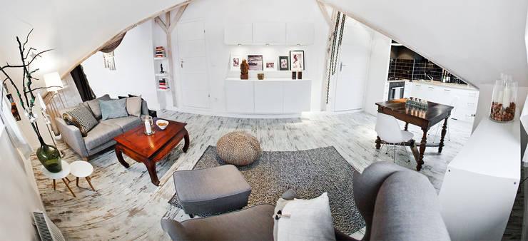 Skandynawska Kawalerka: styl , w kategorii Salon zaprojektowany przez Goryjewska.Górnisiewicz