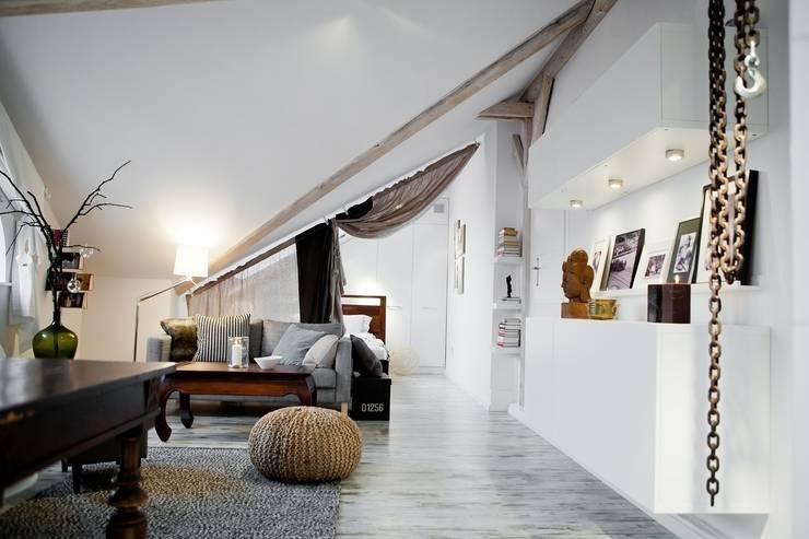 Skandynawska Kawalerka: styl , w kategorii Salon zaprojektowany przez Goryjewska.Górnisiewicz ,Skandynawski