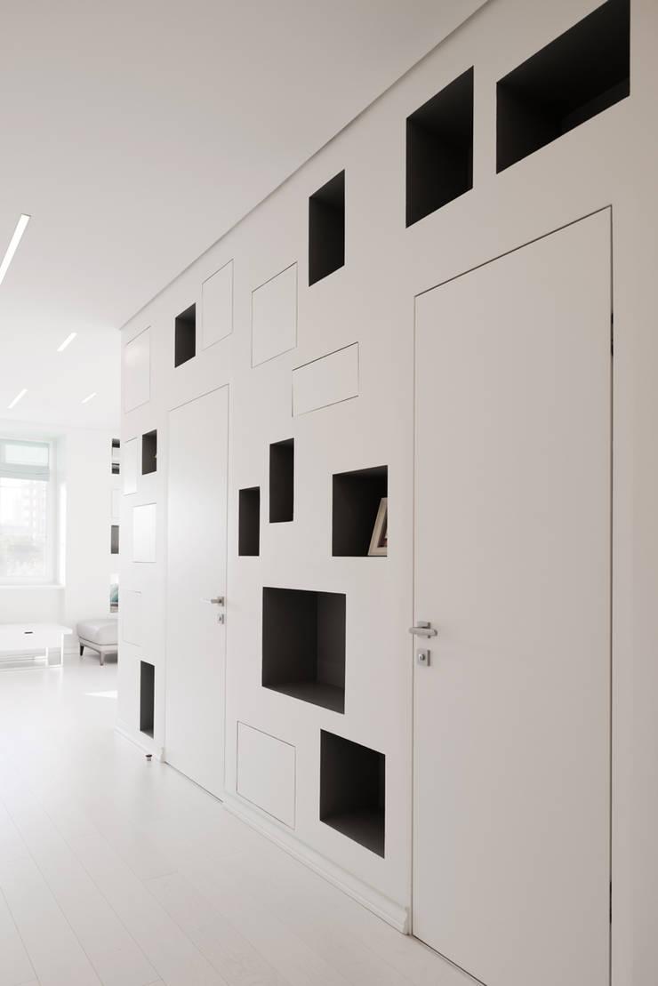 Квартира на Мосфильме: Коридор и прихожая в . Автор – Kerimov Architects