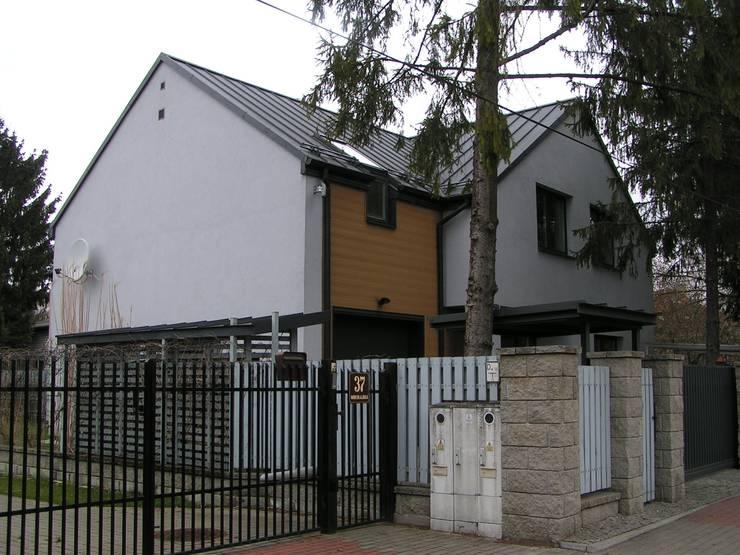 DOM  WARSZAWA- WŁOCHY  1 : styl , w kategorii Domy zaprojektowany przez Nowak i Nowak Architekci