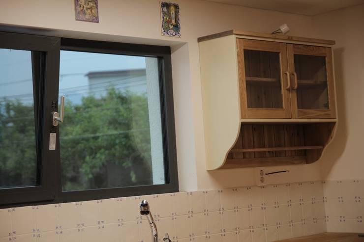 나무고양이 가구 사진 (기사용): 나무고양이의  다이닝 룸