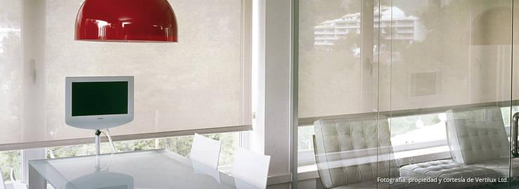 Cortinas tipo Rollers: Comedores de estilo moderno por Dino Conte