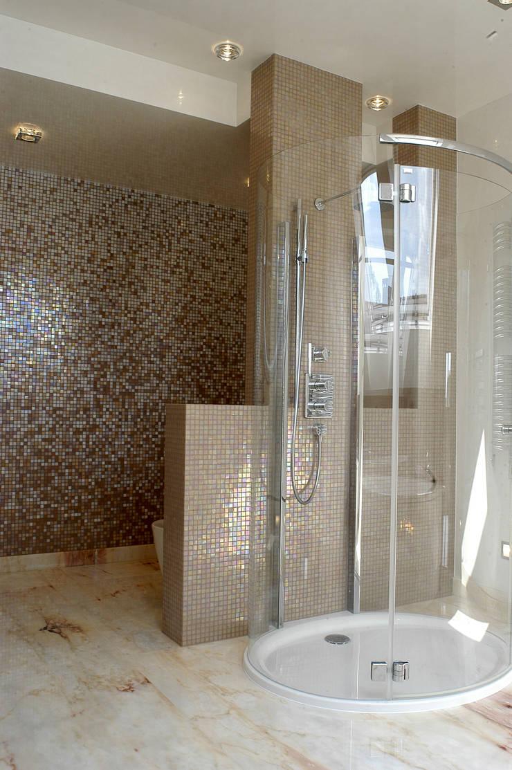 Anna Buczny PROJEKTOWANIE WNĘTRZ  łazienka: styl , w kategorii Łazienka zaprojektowany przez Anna Buczny PROJEKTOWANIE WNĘTRZ,Klasyczny
