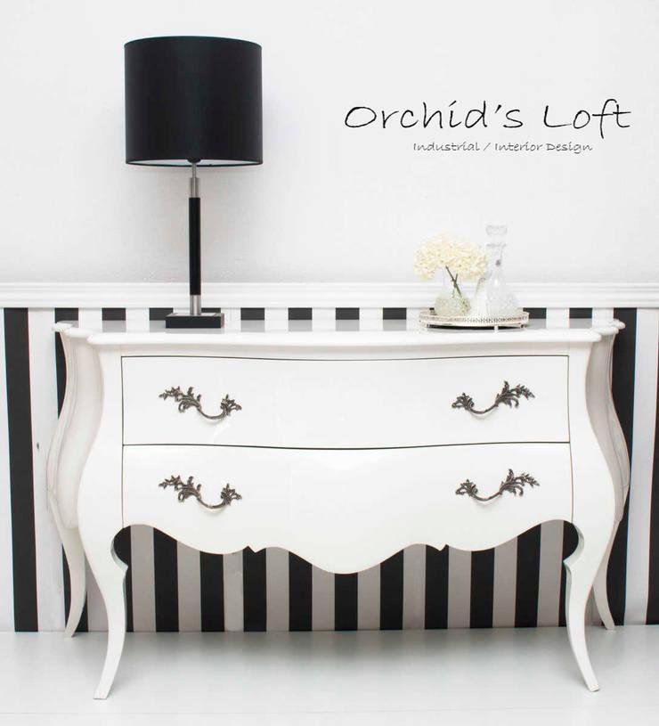 Birkin: Sala de estar  por ORCHIDS LOFT