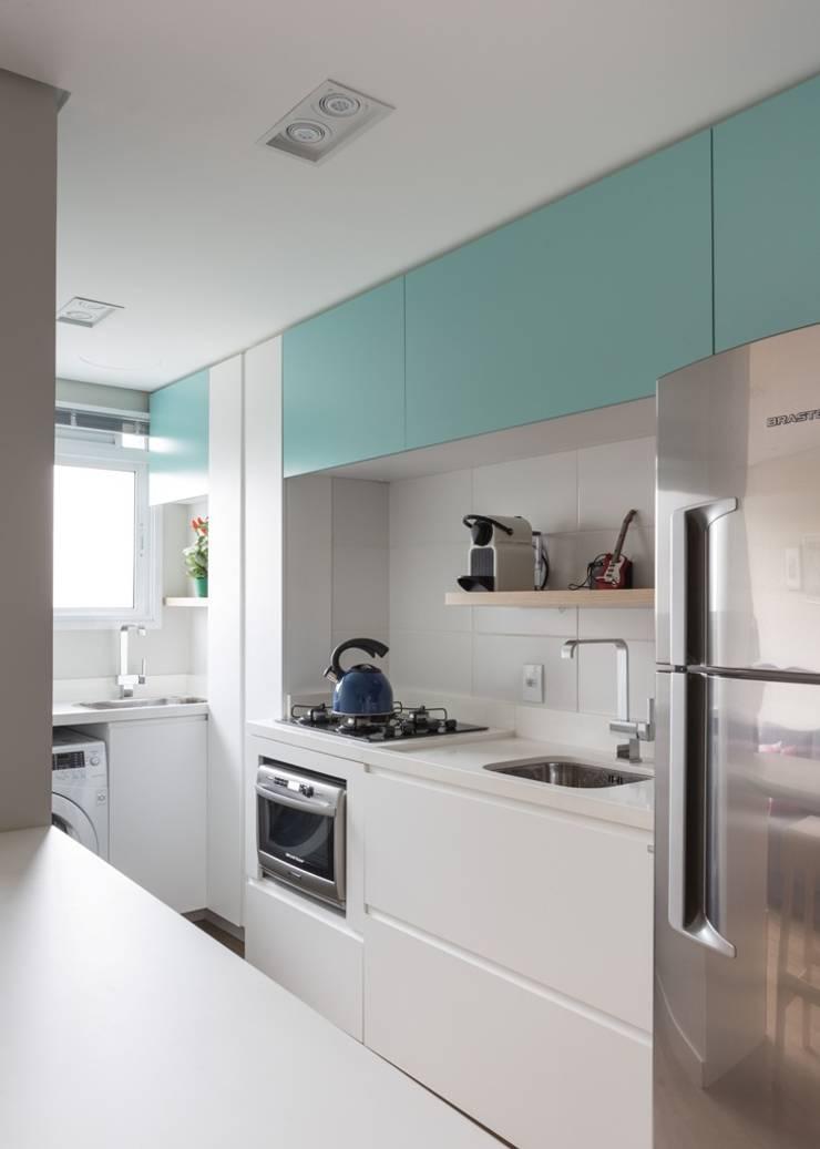 Apartamento CB: Cozinhas  por Moove Arquitetos
