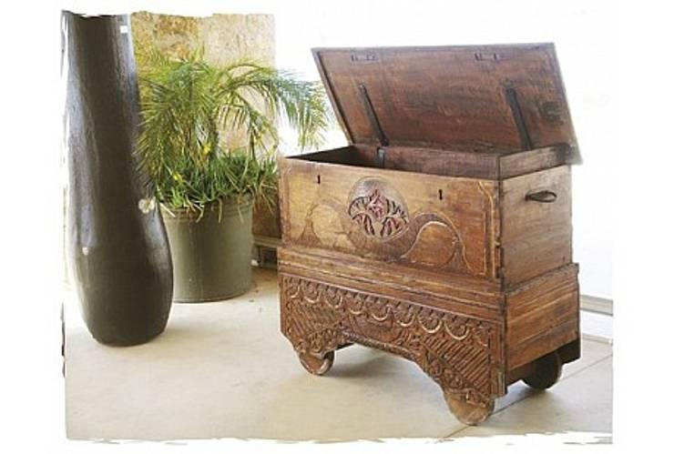 Potpourri de muebles importados: Hogar de estilo  por Opiusly