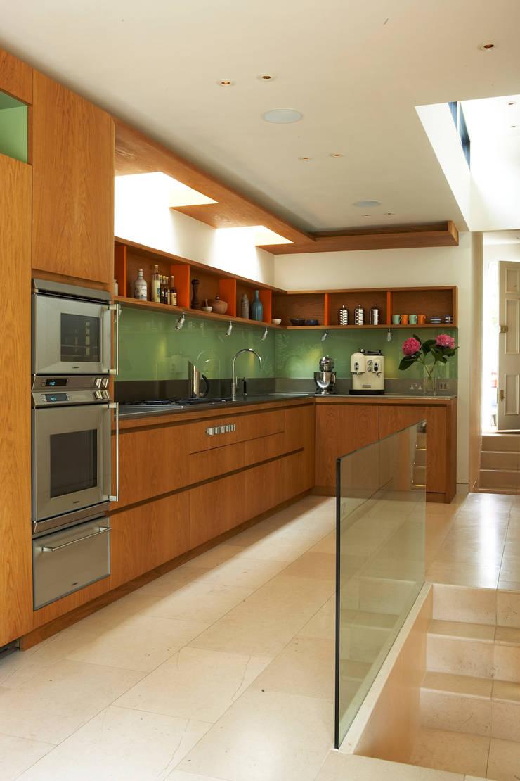 Canonbury House - 4:  Kitchen by Jonathan Clark Architects