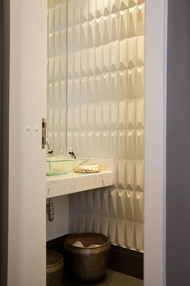 detalhe lavabo : Banheiros modernos por Arquitetura Juliana Fabrizzi