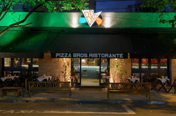 Fachada : Espaços gastronômicos  por Arquitetura Juliana Fabrizzi