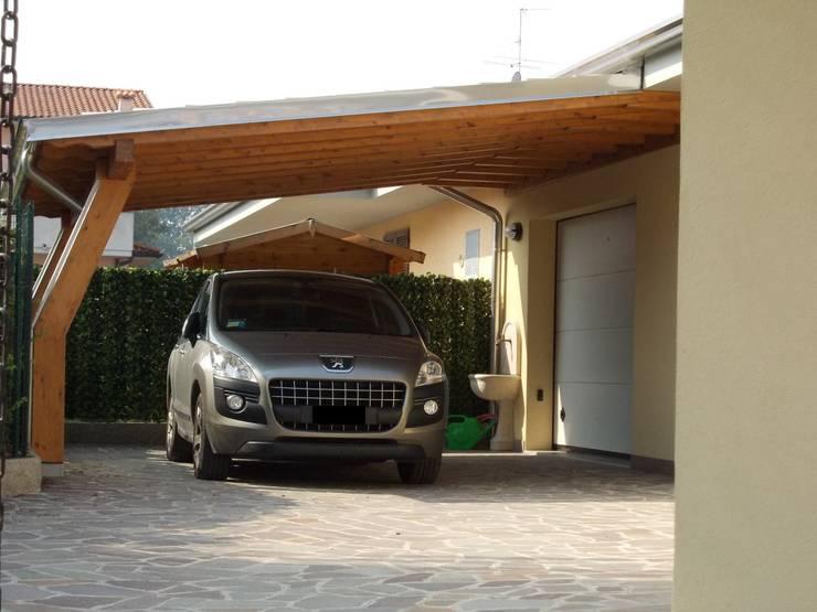 CarPort: Garage/Rimessa in stile  di Alfa Porticati S.r.l.s.