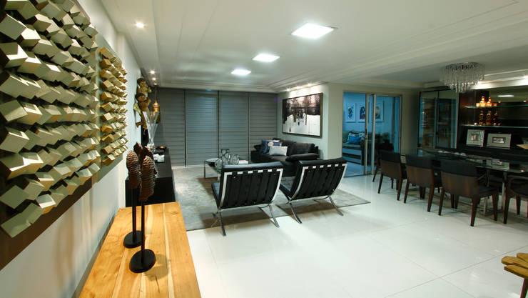 Sala estar/jantar dos anjos: Salas de estar  por Celia Beatriz Arquitetura,