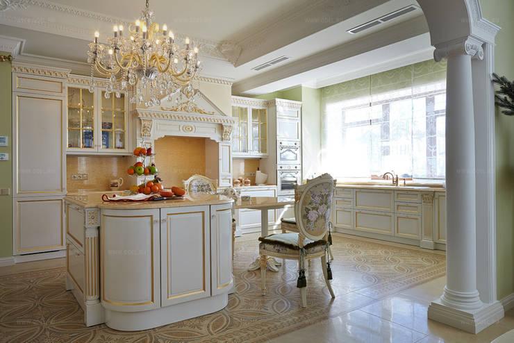 Кухонная зона с островом: Кухни в . Автор – ODEL, Классический