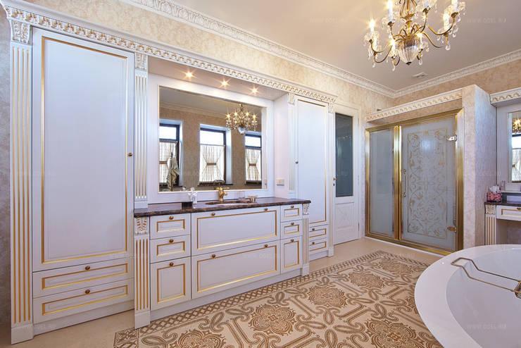 Мебель ванной комнты: Ванные комнаты в . Автор – ODEL, Классический