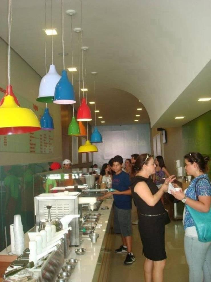 Sorveteria Merengue: Espaços gastronômicos  por Carla Pagotto Arquitetura e Design Interiores