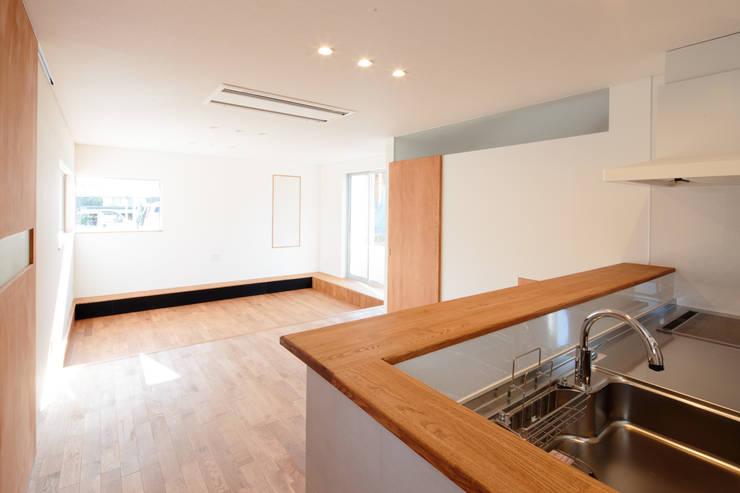 キッチン: 内田建築デザイン事務所が手掛けたキッチンです。