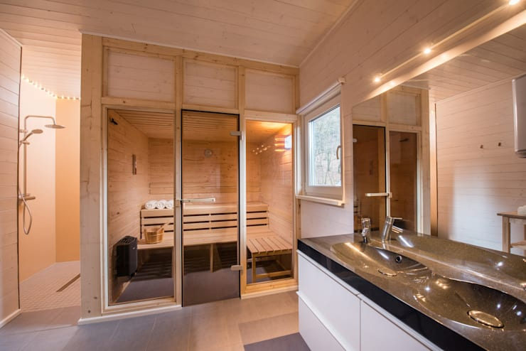 Genießen Sie Ihre Sauna im großen Ferienhaus - Wellnessbad     nach Ihrer Wanderung:  Spa von Ferienhaus Lichtung       im grünen Herzen Deutschland