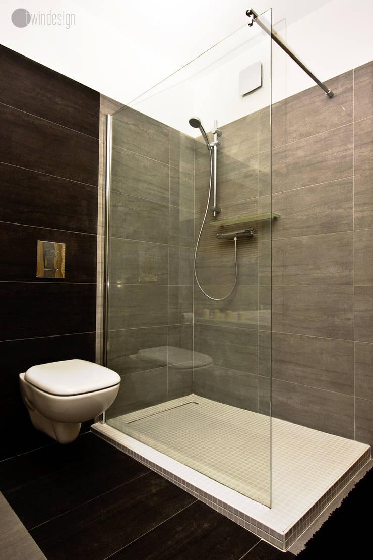 Szarości: styl , w kategorii Łazienka zaprojektowany przez Twindesign  - Kompleksowe Usługi Budowlane