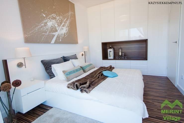 Apartament pokazowy Merint Village w Wiśle: styl , w kategorii Sypialnia zaprojektowany przez Goryjewska.Górnisiewicz