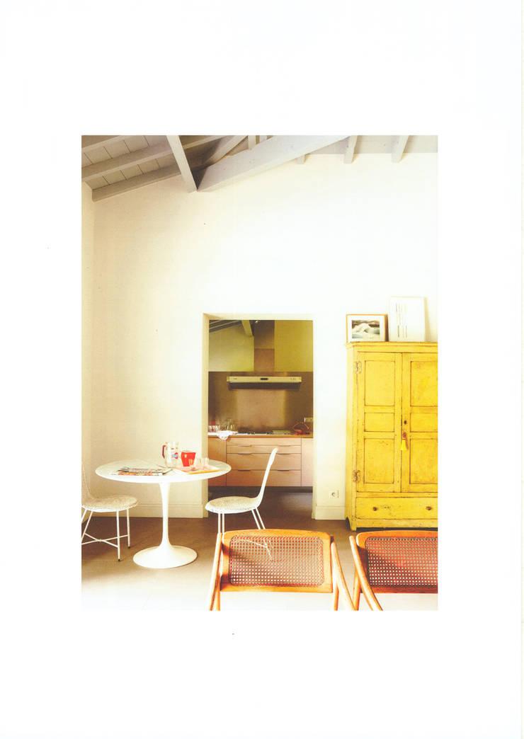 Casa de campo en el sur de Francia: Salones de estilo  de La Californie