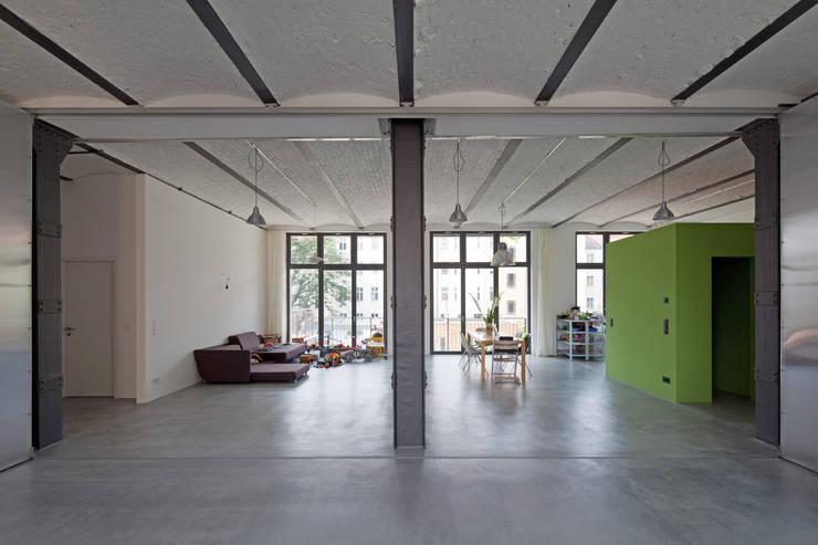 studioinges Architektur und Städtebau의  거실