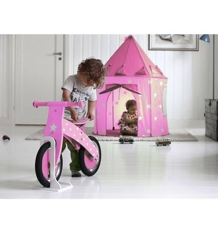 Namiot dla dziewczynki w pokoju dziecięcym.: styl , w kategorii Pokój dziecięcy zaprojektowany przez Sklep Internetowy Kiddyfave.pl
