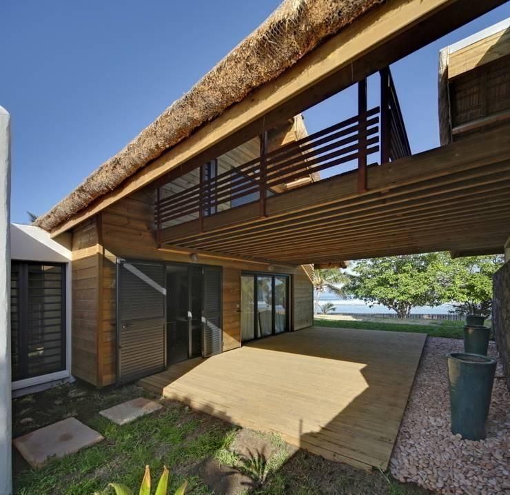 Casas de estilo  por T&T architecture