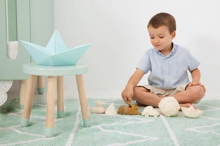 Dywan dla dzieci Hippy Mint marki Lorena Canals to dodatek idealny do wnętrz skandynawskich: styl , w kategorii Pokój dziecięcy zaprojektowany przez Sklep Internetowy Kiddyfave.pl
