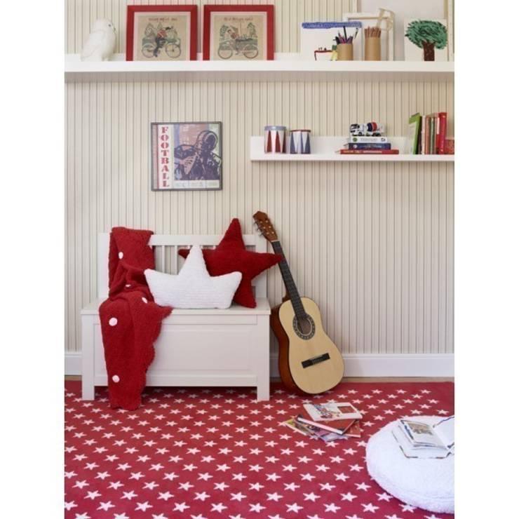Czerwień w pokoju dziecięcym: styl , w kategorii  zaprojektowany przez Sklep Internetowy Kiddyfave.pl,Eklektyczny
