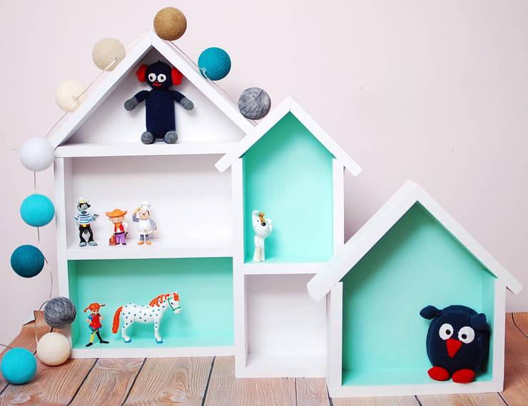 Barwna półka domek : styl , w kategorii  zaprojektowany przez Sklep Internetowy Kiddyfave.pl,Skandynawski