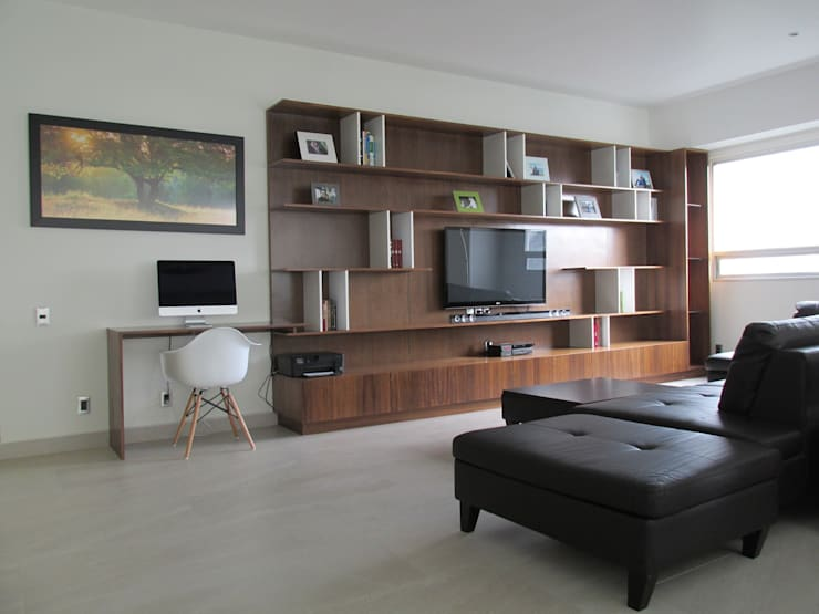 Mueble TV: Estudio de estilo  por ARTTRE FURNITURE DESIGN
