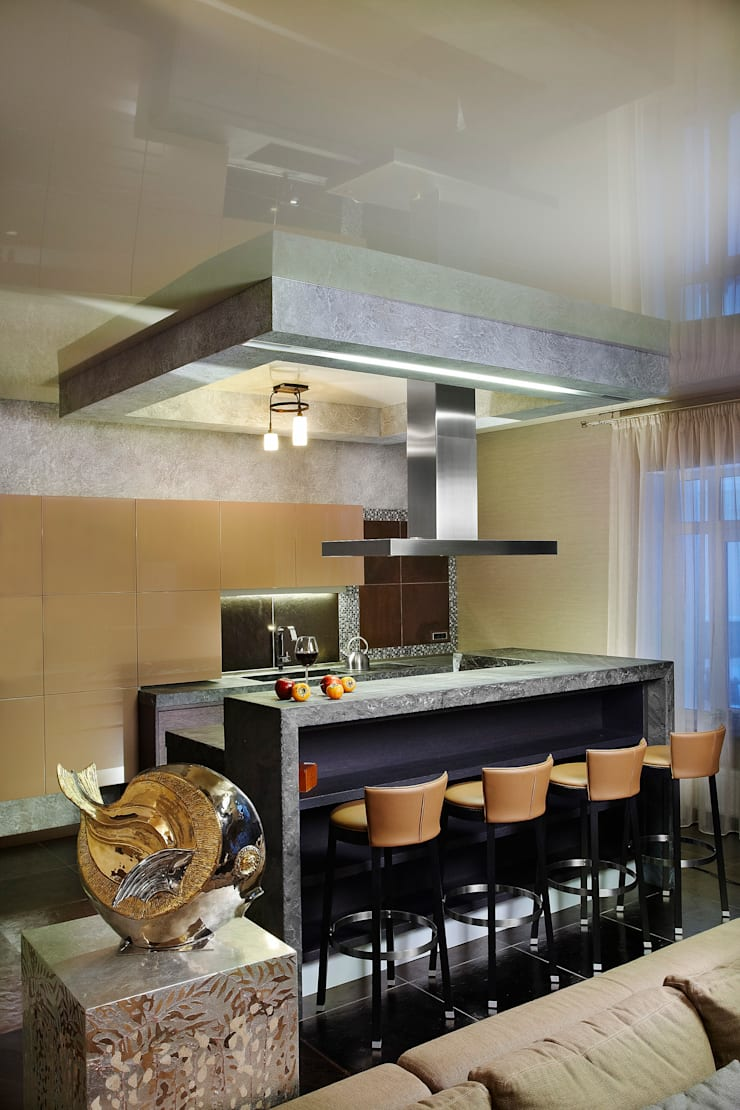 Стойка бара и кухонные шкафы: Кухня в . Автор – Baydyuk Design Company