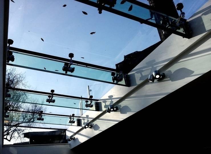 Sky Light:  Terrace by MDM GLASS LTD