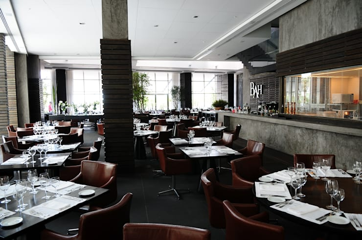BAH! Restaurante: Espaços gastronômicos  por Tellini Vontobel Arquitetura