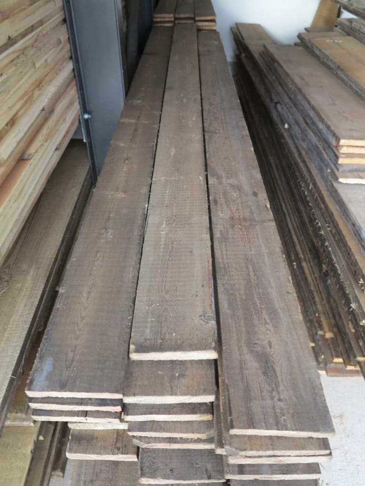 Antique Pine Square Edged Floorboards:  Bathroom by UK Architectural Antiques