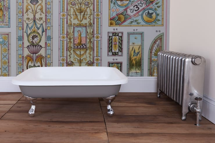 Baños de estilo  por UK Architectural Antiques