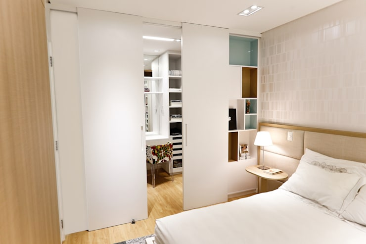 Apartamento AR- Joinville/SC – Estúdio Kza Arquitetura e Interiores: Quartos  por Estúdio Kza Arquitetura e Interiores