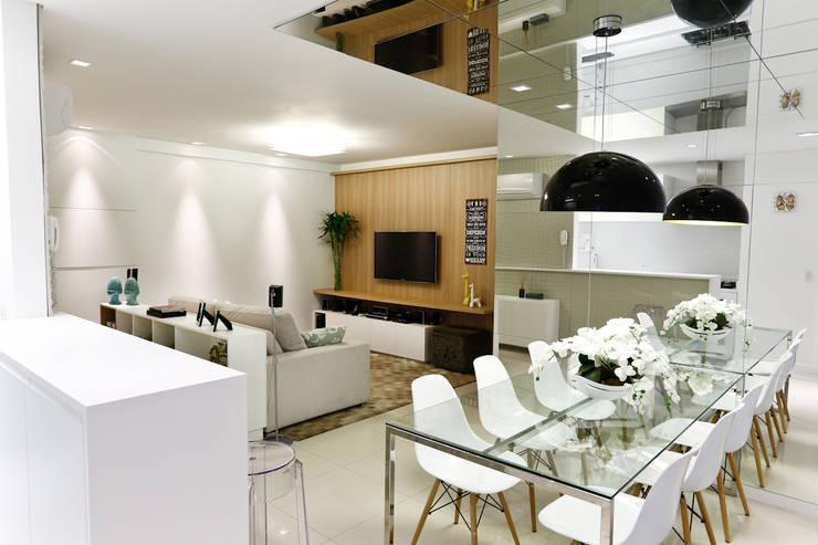 Apartamento AR- Joinville/SC – Estúdio Kza Arquitetura e Interiores: Salas de jantar  por Estúdio Kza Arquitetura e Interiores