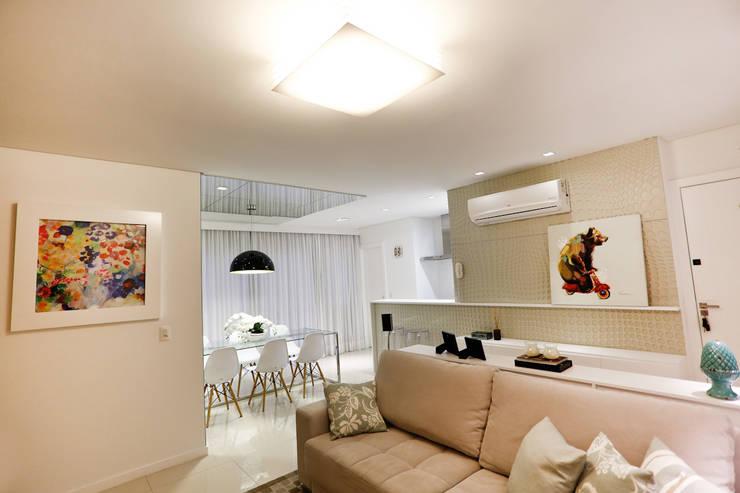 Salas / recibidores de estilo moderno por Estúdio Kza Arquitetura e Interiores
