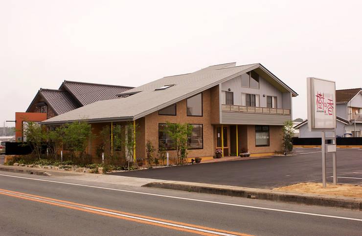 南西側外観: 氏原求建築設計工房が手掛けた家です。,