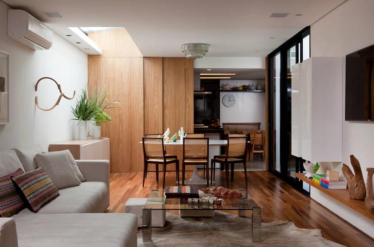 Casa de Vila:   por CSDA Arquitetura e Interiores