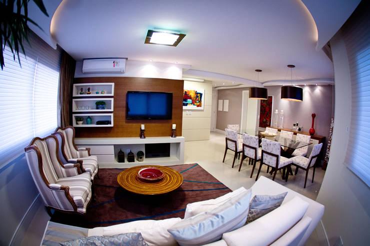 Living e Sala de Jantar: Salas de estar  por INOVA Arquitetura,