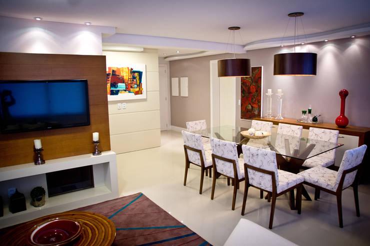 Living e Sala de Jantar: Salas de jantar  por INOVA Arquitetura,